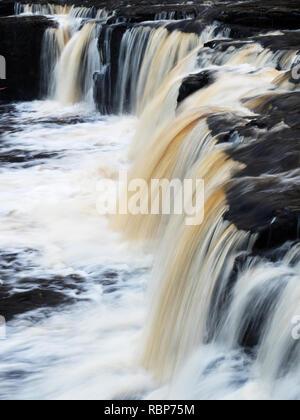 Obere Aysgarth fällt auf dem Fluß Ure in Wensleydale Yorkshire Dales England - Stockfoto