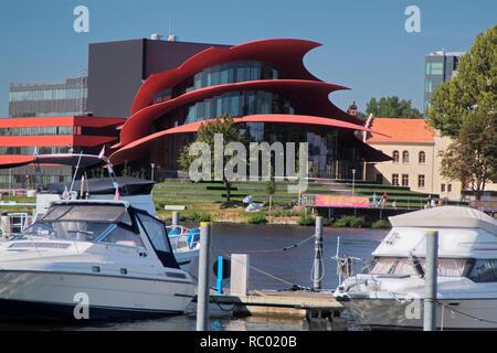 Hans-Otto-Theater am Ufer dees Tiefen sieht, Havel, VG Yachthafen, Architekt Gottfried Böhm, 2006, Potsdam, Brandenburg, Deutschland, Europa | Hans-O - Stockfoto