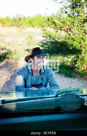 Reisende Vor off-road Car - Stockfoto