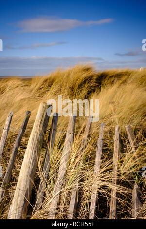 Erhaltung Arbeit statt am Strand von St Annes, in der Nähe von Blackpool an der Fylde Coast. - Stockfoto