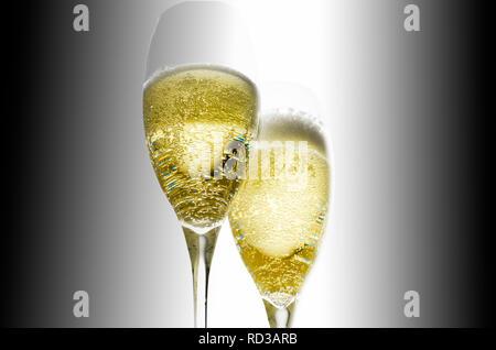 Nahaufnahme von Champagner Gläser, Studio shot - Stockfoto