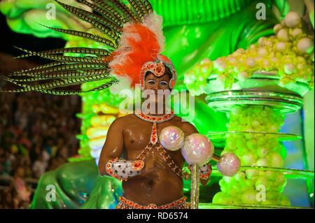 Tänzerin bei der Gualeguaychu Karneval, Provinz Entre Rios, Argentinien, Lateinamerika - Stockfoto
