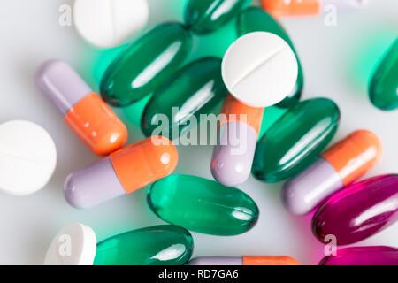 Schließen Sie bis zu Medizin Pillen und Tabletten - Stockfoto