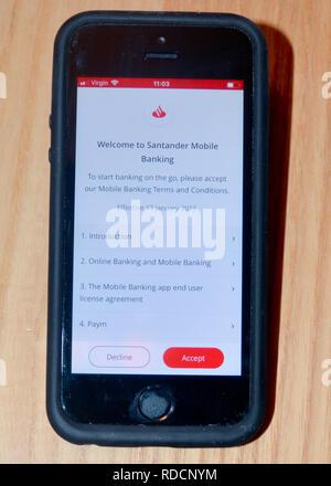 Santander Bank Anwendung auf smart phone - Stockfoto