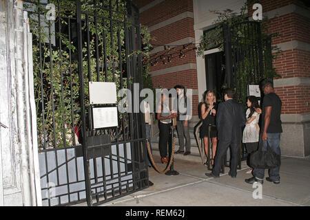 New York, NY - August 21: (Außen) auf einer Party feiern neue Aluminium Flaschen Coca-Cola auf der Werft im Soho Grand am Donnerstag, 21. August 2008 Im