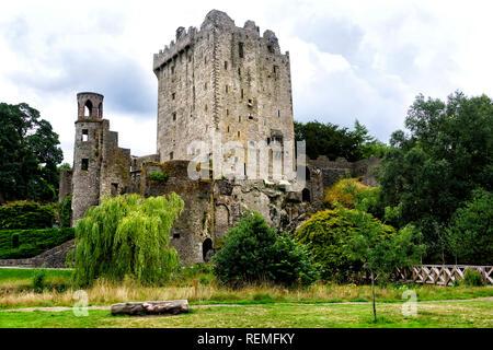 Blarney Castle, eine mittelalterliche Festung in Blarney im Jahr 1210 gebaut. - Stockfoto