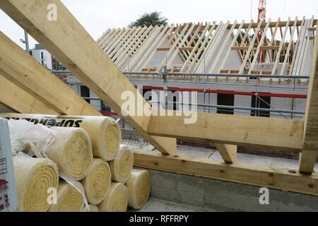 DEU, Deutschland, Essen: Richtfest, Hausbau, Bau von privaten Häusern - Stockfoto