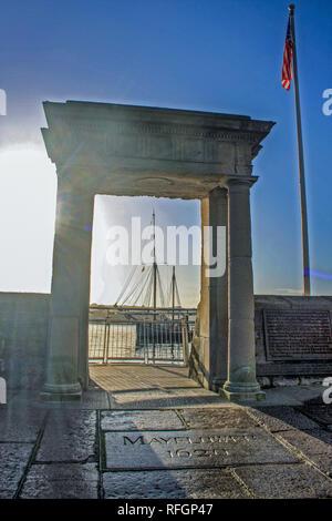 Mayflower Schritte Besucher Attraktion; Mayflower 400 (2020); die Pilgrim Memorial für die Reise nach Amerika - Stockfoto