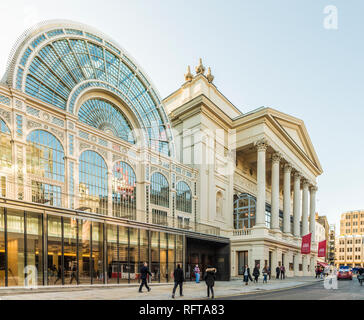 Das Royal Opera House in Covent Garden, London, England, Vereinigtes Königreich, Europa - Stockfoto