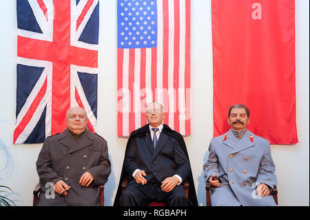 Wachsfiguren der Großen Drei: Winston Churchill, Franklin D. Roosevelt und Joseph Stalin während der Konferenz von Jalta im 4. bis 11. Februar 1945 im Neo Parco dei Renai - Stockfoto