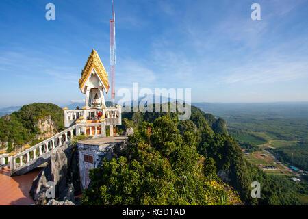 Die Tiger Cave Tempel oder Wat Tham Suea ist ein buddhistischer Tempel in der Nähe von Krabi Stadt Krabi, Thailand. Ein heiliger Ort, ist es für die Tiger Paw Prints in bekannt