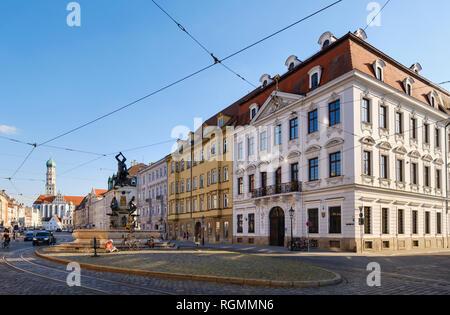 Deutschland, Bayern, Augsburg, Schaezlerpalais, Hercules Brunnen - Stockfoto