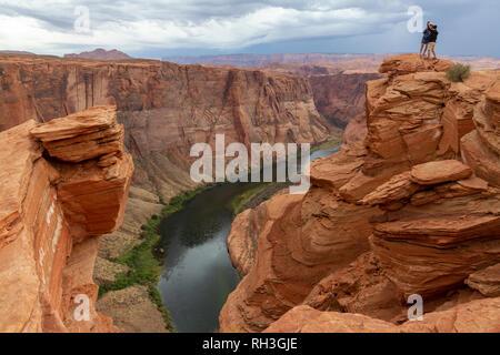 Die Horseshoe Bend auf dem Colorado River, in der Nähe von Page, Arizona, United States. - Stockfoto