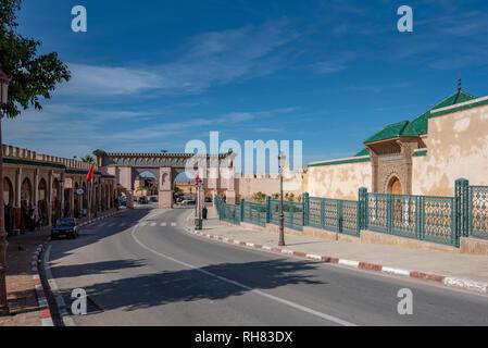 Bab Moulay Ismail vor der berühmten mausolem, Grab und Moschee in Meknes, Marokko - Stockfoto