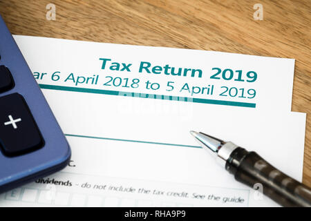 UK HMRC Self Assessment Einkommensteuererklärung Formular 2019 - Stockfoto