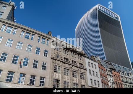 London, UK, September 02, 2018: 20 Fenchurch Street (aka das Walkie-Talkie) Wolkenkratzer in der City von London - Stockfoto