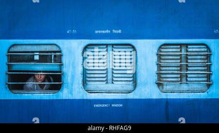 Sleeper class Zug in Indien Blick von Außen - Stockfoto