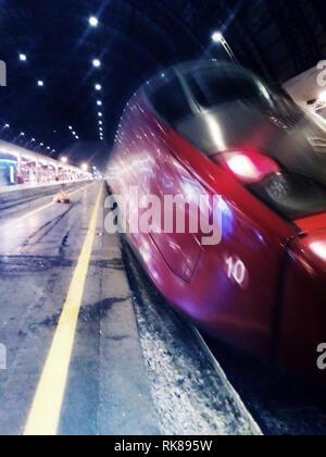High speed Zug anreisen in Milano Centrale Bahnhof - Mit der Bewegungsunschärfe
