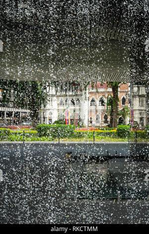 Kuala Lumpur, Malaysia. Januar 2019. Der Blick durch die Countdown-uhr (CDC) Brunnen - Stockfoto