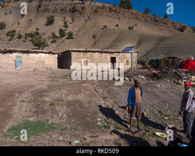 Marokko, solar Paneel in den Dörfern des Hohen Atlas, in der Nähe von imilchil. - Stockfoto