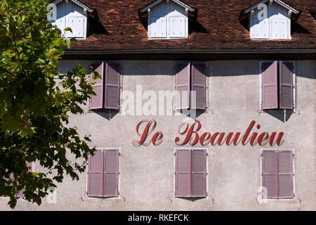 Frankreich, Nouvelle Aquitaine, Dordogne, ''Le Beaulieu'' Hotel an Baulieu sur Dordogne. Fluss Dordogne Tal. - Stockfoto