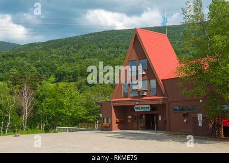 Wildcat Mountain Ski Area Eingang im Sommer in der Stadt von Jackson, New Hampshire, USA. - Stockfoto