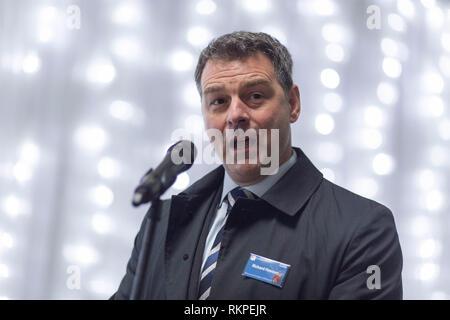 34295 CARILLION 15/12/15 Richtfest im Royal Liverpool University Hospital. Bild von Chris Bull/UNP 0845 600 7737 pictures@unp.co.uk - Stockfoto