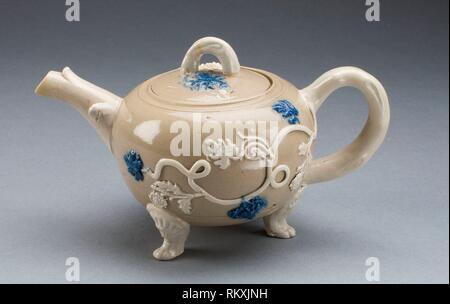 Teekanne - 1750/55 - Staffordshire, England- Herkunft: Staffordshire, Datum: 1749 - 1755, Mittel: Salz - glasiert Steinzeug, mit der angewandten Dekoration und - Stockfoto