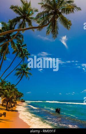 Angeln, Akurala Beach, Südküste von Sri Lanka. - Stockfoto