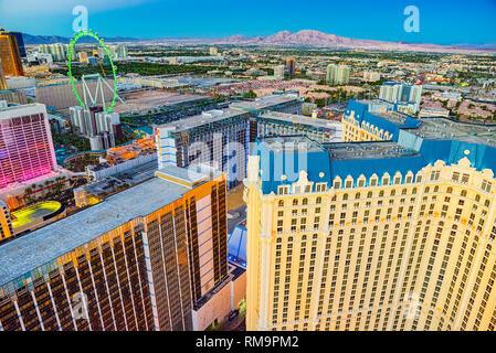 Las Vegas, Nevada, USA - 17. September 2018: die Hauptstraße von Las Vegas - ist der Streifen in den Abend wird. - Stockfoto