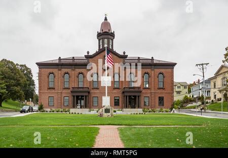 Fassade des historischen Rathauses, Plymouth, MA USA - Stockfoto
