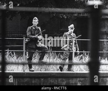 8/13/1961 - das ist es, was es sah aus wie in Berlin heute Morgen, nachdem die Sowjets verkündete ein Dekret in Ihrer Zone - Stockfoto
