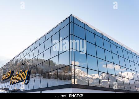 Skigebiet Hauser Kaibling in Österreich Top Skigebiete: 44 Lifte, 123 km Pisten, Parkplatz, Schladminger 4-Berge miteinander verbunden - Stockfoto