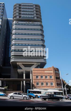 Duo Türme sind Teil von Sydneys Central Park Village und gemischt genutzten Gebäuden, Einzelhandel, Ferienwohnungen, ein Hotel und ein Teil der UTS Universität - Stockfoto