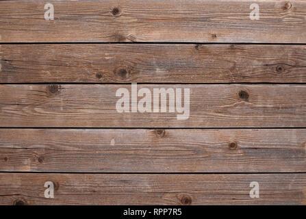 Holzplatten von brauner Farbe horizontal