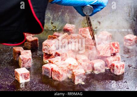 Gegrillte Kobe Beef Cube, Kobe Rindfleisch Teppanyaki Steak - Stockfoto