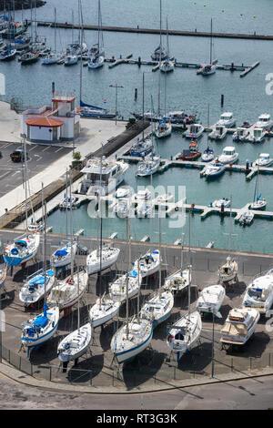 Portugal, Azoren, Insel Terceira, Praia da Vitoria, Hafen - Stockfoto