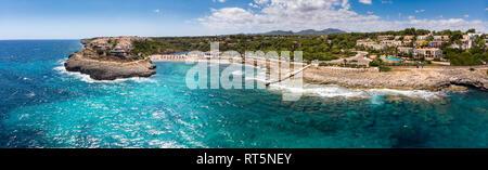Spanien, Balearen, Mallorca, Porto Colom, Luftaufnahme von Cala Tropicana und Cala Domingo - Stockfoto