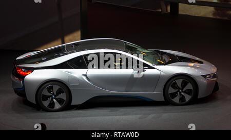 FRANKFURT, Deutschland - 20.September 2013: BMW i8 auf der Frankfurter Automobilausstellung IAA. - Stockfoto