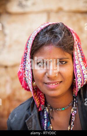 Porträt einer Frau, Jaisalmer Fort, Jaisalmer, Rajasthan, Indien, Asien - Stockfoto
