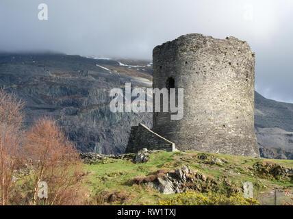 Dolbadarn Schloss, in der Nähe von Llanberis, Snowdonia, Wales - Stockfoto