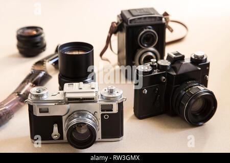 Einstellen des alten Kameras und Fotografie Ausrüstung Stockfoto