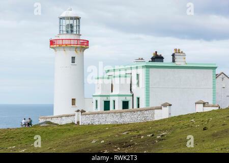 Leuchtturm auf der Insel Arranmore; im County Donegal, Irland - Stockfoto