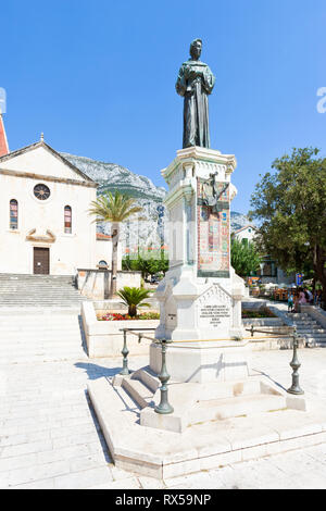 Makarska, Dalmatien, Kroatien, Europa - August 23, 2017 - Statue von Haran Narod in Makarska - Stockfoto