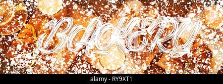 Web Banner 3in1 crop für Design. Bild mit weißem Pulver Dekor Rahmen und Text Bäckerei. Frische Croissants und ursprünglichen Autoren Kaffee mit Früchten auf der Registerkarte - Stockfoto