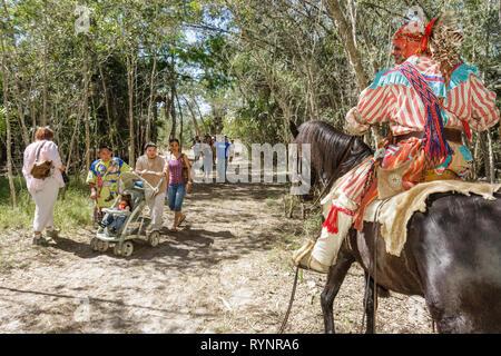 Florida Big Cypress Seminole Indian Reservierung Billie Swamp Safari Big Cypress Shootout jährliche Ereignis indianischer Krieger ho - Stockfoto