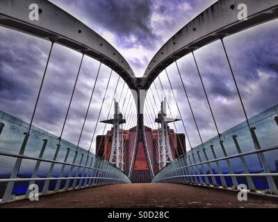 Salford Quays, Brücke über Manchester Ship Canal - Stockfoto