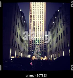 rockefeller center weihnachtsbaum beleuchtungszeremonie. Black Bedroom Furniture Sets. Home Design Ideas