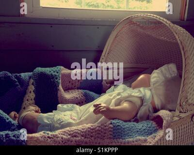 Baby doll doris vintage zusammensetzung puppe schlafen schläft in