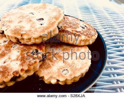 Welshcakes, auch als Bakestones oder Grillpfanne Steine bekannt - Stockfoto